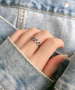 [925純銀]小眾交叉鏤空戒指
