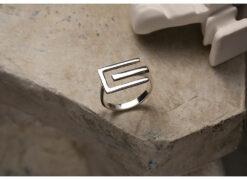 [925純銀]開口簡約字母E造型幾何線條戒指