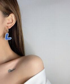 [鋼針]簡約撞色愛心形耳環