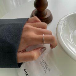 [925純銀]簡約線條交叉戒指