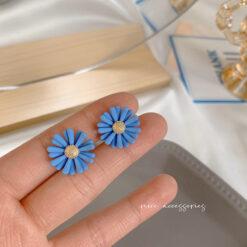 [鋼針]藍色蝴蝶花朵耳環